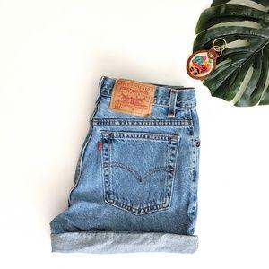 VTG Levi's 550 Hi-Rise Shorts Size 8